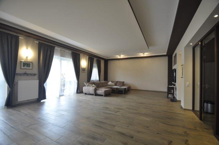3 Wohnungen mit ca. 848 m² Wohn – Nutzfläche